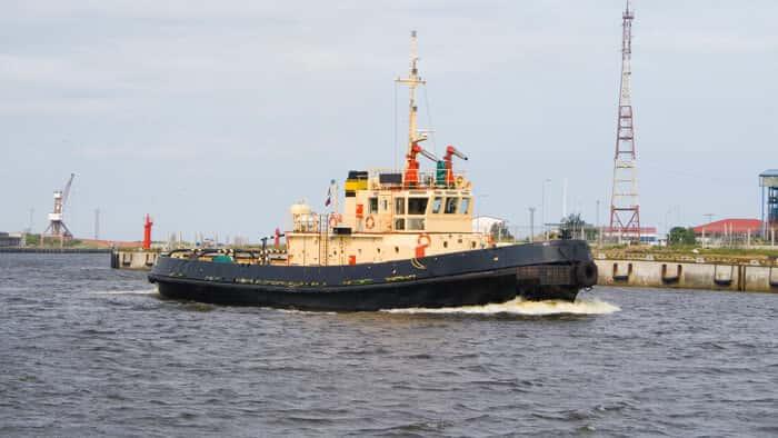 Conte com gasóleo colorido Galp para os seus navios de pesca